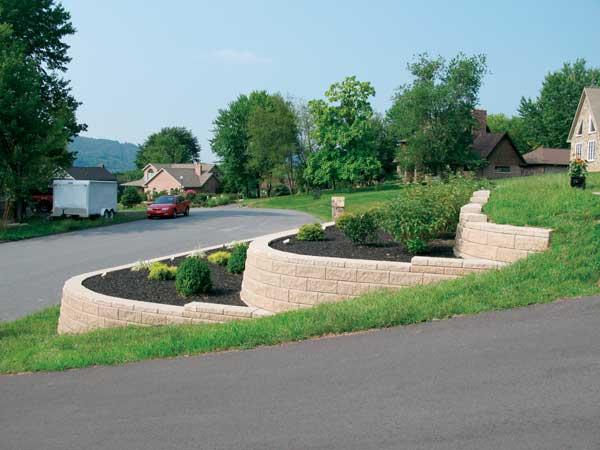 28 Nice Landscaping Ideas Sloped Driveway U2013 Izvipi.com